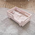Holz Puppenbett in Rosa by Petite Amelie